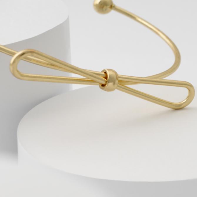 Confira 5 joias que combinam com tudo, independente da época - Joalheria Brasil